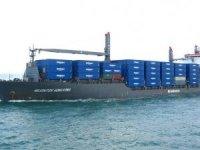 German Boxship Collides with Crane at Keelung Port