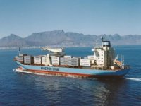 Seaspan buys feeder boxship pair, charters to Maersk Line