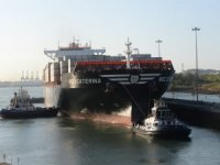 Expanded Panama Canal Marks 3,000 Vessel Crossings