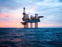 Bahrain Seeks Big Oil's Help to Develop New Shale Discovery