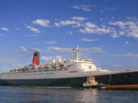 QE2 to Open as Floating Hotel in Dubai