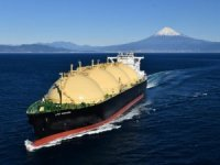 Japanese LNG Carrier Takes `First of Many' U.S. Gas Cargoes in Nod to Trump