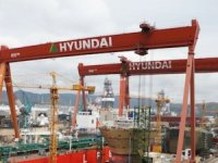 Hyundai Heavy books orders for four box ships, reports more red ink