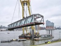 600-ton Crane Now Stationed in Port of Hamburg