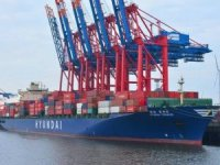 New Hyundai Container Service Serves Hamburg
