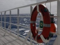 Expedition Cruise Ship Refloated, Passengers Safe