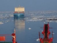 Venta Maersk Escorted Through Sannikov Strait