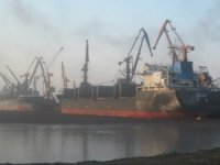 Murmansk Port Experiments with Screens to Control Coal Dust