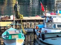 Moment of Silence Held for Ataturk from Fishermen
