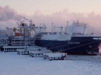 MOL, Novatek, JBIC Sign Russian LNG Complex Deal