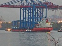 New container gantry cranes arrive at the Port of Hamburg