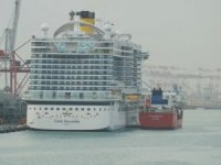 Costa Smeralda Refueled with LNG in Barcelona for 1st Time