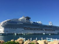 Coral Princess Starts Disembarking Passengers in Miami, 3 Deaths Confirmed