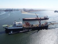 World's two largest pipelay vessels meet in Rotterdam