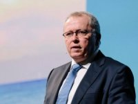 Equinor slashes quarterly cash dividend by two thirds