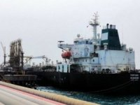 First Iranian Tanker Docks in Venezuela Without Incident