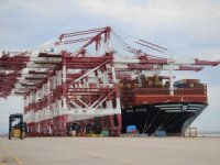 Hutchison Ports BEST hosts 23K+TEU behemoth