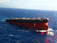 Wakashio Bow Towed Away From Mauritius While Investigation Continues