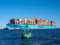 Battered Maersk Essen anchors off Lazaro Cardenas