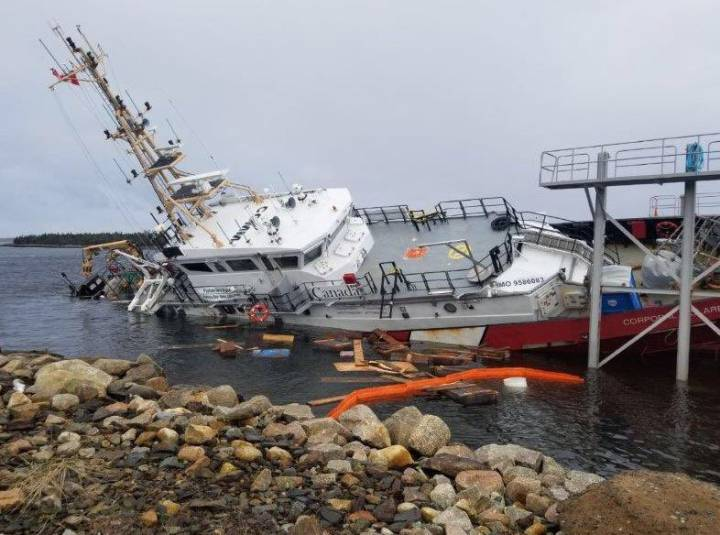 investigation-into-suspected-vandalism-of-canadian-coast-guard-vessel---2.jpg