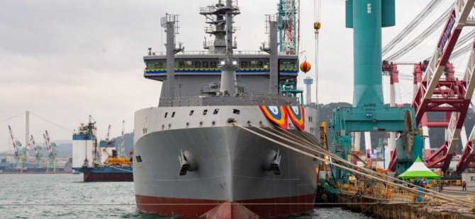 royal-new-zealand-navy's-aotearoa-auxiliary-ship-christened-in-south-korea-1024x683-001.jpg