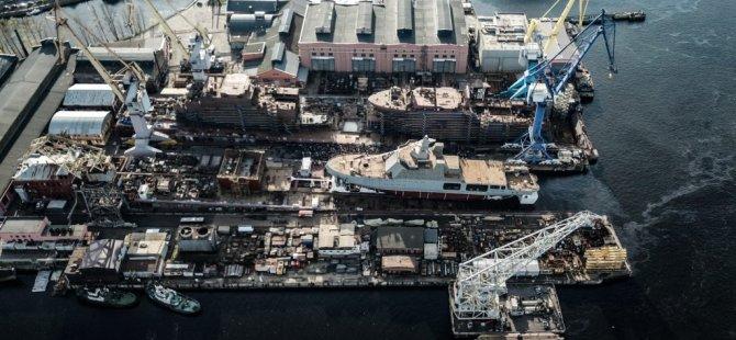 russian-navy-icebreaker-ivan-papanin-floated-in-st.-petersburg-2-1024x553.jpg