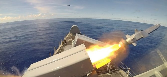 video-uss-gabrielle-giffords-lcs-10-launches-1st-integrated-naval-strike-missile-2-1024x575.jpg