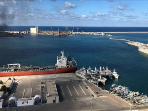 Haftar militias launch a rocket attack on Tripoli Port