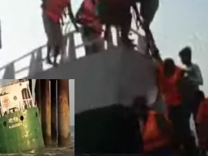 Bangladeshi lighter ship collided with power line tower, sank.